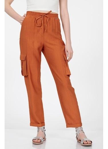 Vitrin Beli Lastikli Bağcıklı Kargo Cep Detaylı Pantolon Bakır